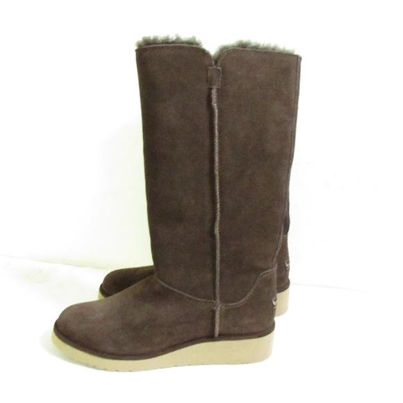 dc468ea6d3b NWOT Koolaburra UGG Slim Tall Boots 1015880 Size 7